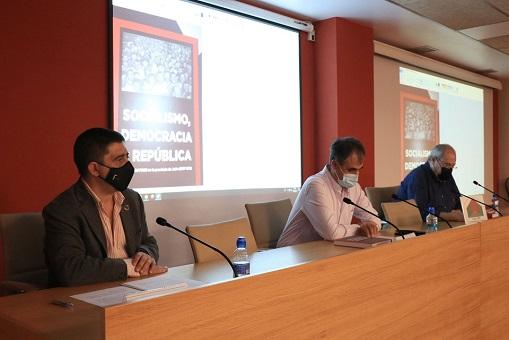 Jaén Debate acoge la presentación del libro Socialismo, Democracia y República.