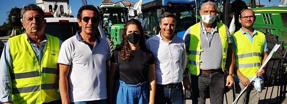 Un millar de vehículos claman en Sevilla por una PAC justa para los agricultores y los ganaderos de Andalucía.
