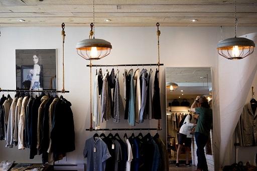 La Junta abona 8,5 millones en ayudas a 3.381 pymes del pequeño comercio, la artesanía y la hostelería de la provincia de Jaén.