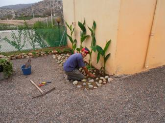 camping-aourir-morocco-gardener-at-work-1-2013
