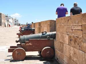 On the famous fortress wall of Essaouira one has a very nice panorama