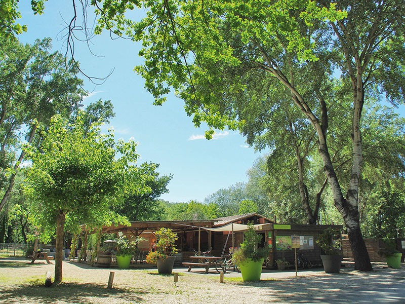 restaurant, camping art de vivre, chateauneuf du pape