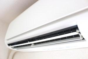 キャンピングカーのリアエアコンに家庭用エアコン キャンピングカーレンタルで行こう