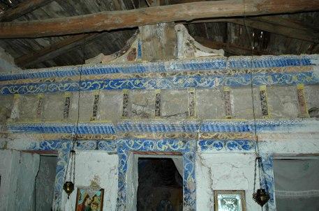 gut erhaltene Fresken und Wandbilder