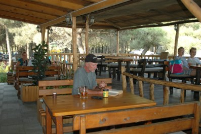 camping-safari-restaurant-02