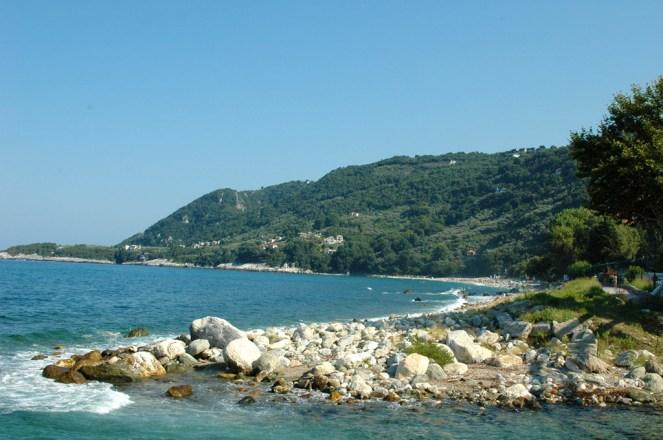 Papa Nero, rechts in der Bucht der gleichnamige Campingplatz