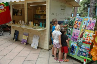 Kinderspeilzeug und Kosmetikladen