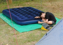 E in charge of airbed inflation