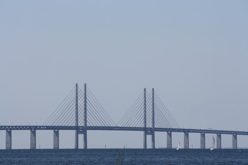 Grensekontroll på Øresundbroen. Det svenske politiet gjennomfører for tiden grensekontroll ved bomstasjonen ved Øresundsbroen.