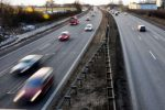 MOTORSTOPP: Sørg for at motoren er i form før du legger ut på bilferie i utlandet. (FOTO: Colourbox)