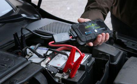 En hendig starthjelper kan være din redning når batteriet er flatt. Men kvaliteten varierer, så les testen før du kjøper. (FOTO: NAF)