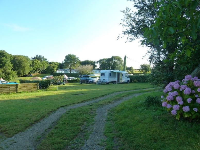 campingdys-emplacement-semi-ombrage