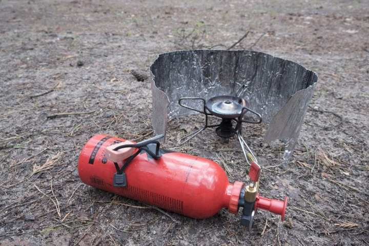 How to choose and use a camp stove 3 - photo by Kitty Terwolbeck