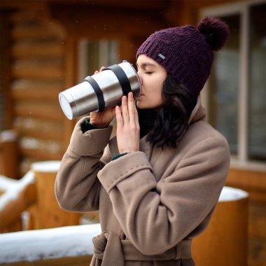 Image of best coffee mug to keep coffee hot