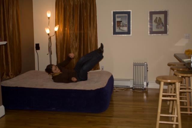 How to raise an air mattress off the floor tips