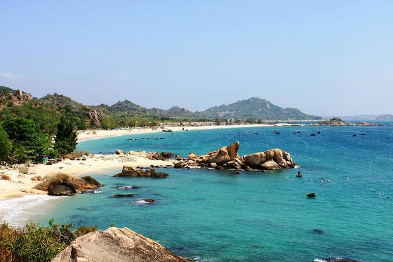 binh ba island beach