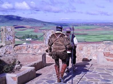 """""""…Y comenzo a caminar por el antiguo y conocido Campo de Montiel"""""""