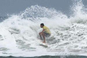 Surfista Eduardo Febem – Foto: Silvia Winik