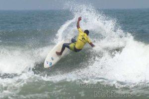 Surfista Ricardo Silva – Foto: Silvia Winik