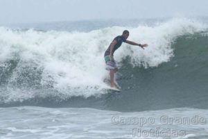 Surfista Wanderson Biludo – Foto: Silvia Winik
