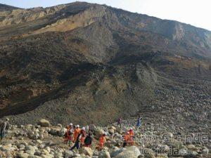 Deslizamento de terra em mina de jade no Norte de Mianmar causou dezenas de mortes neste sábado (26/12) – Foto: AFP