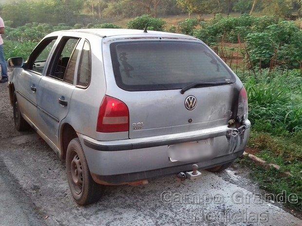 Carros e outros veículos que trafegavam pela mesma rodovia foram danificados e/ou destruídos pelos criminosos – Foto: Polícia Civil/MT