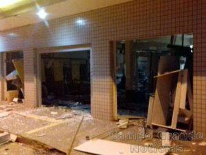 Agência Bancária em Pedra Preta (MT), alvo de uma explosão na madrugada deste domingo (16/10) – Foto: Polícia Civil/MT