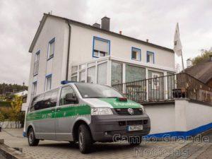 Neonazista atacou e feriu na manhã desta quarta-feira (19/10) quatro policiais em Georgensgmünd, no Sul da Alemanha. – Foto: Nicolas Armer/DAP/AP