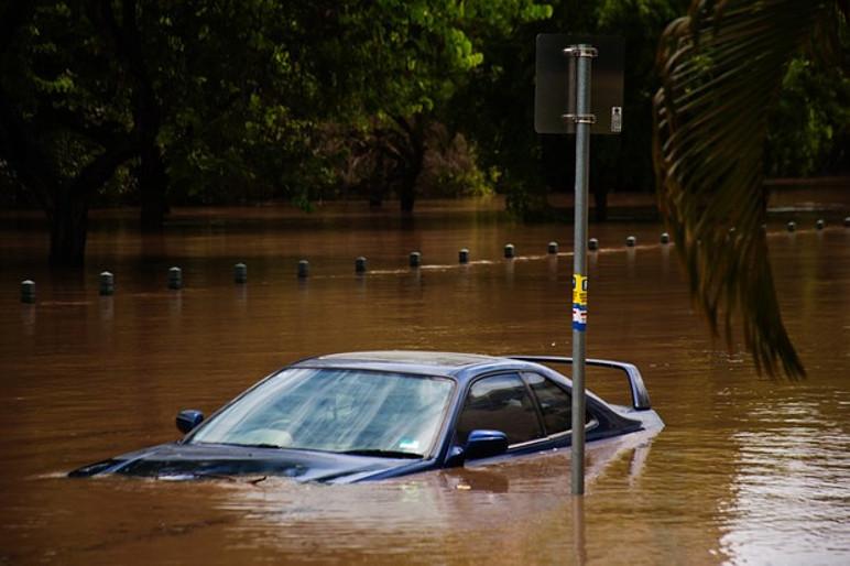 Todos os seguros com cobertura compreensiva incluem proteção contra fenômenos naturais (deslizamento de terra, granizo, alagamento e objetos que caíram no carro) (Foto: Divulgação)