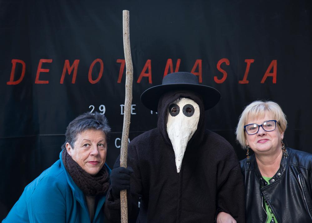 El gran estreno. Demotanasia