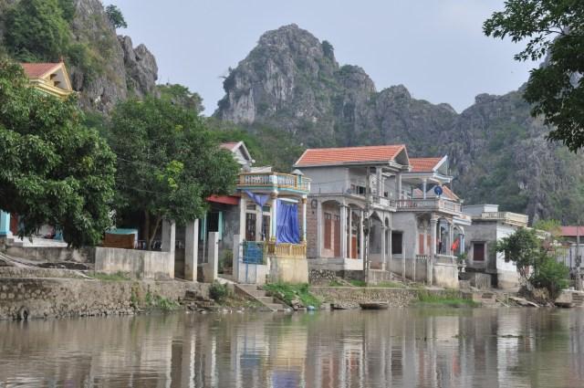 Floating (?) village