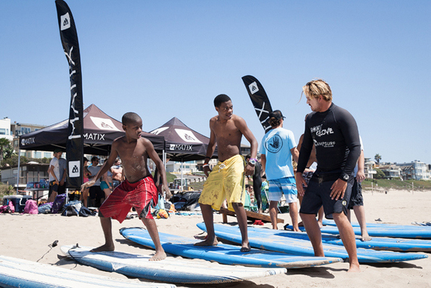 positive-vibes-in-compton-through-surfing-the-compton-surf-club-7