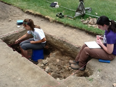 Expanded excavation unit showing rubble layer