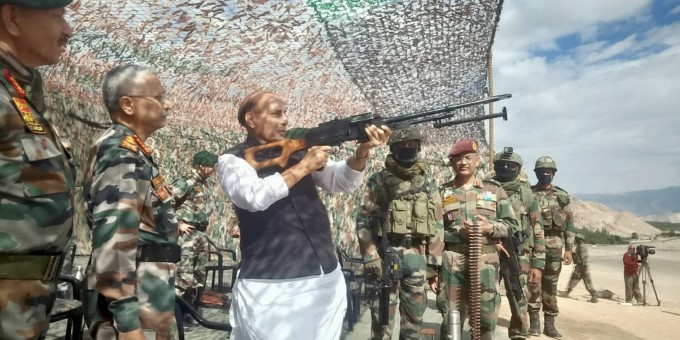 Defence Minister visits troops in Ladakh