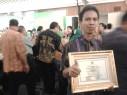 Ketua Tim Adiwiyata SMAN 1 Maniangpajo diacara Sarasehan Adiwiyata Nasional 2013