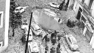 Ein Krater mitten in der Madrider Innenstadt blieb nach der Explosion übrig.
