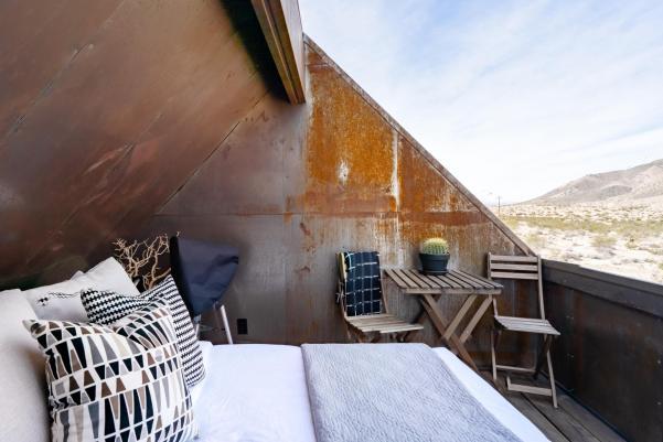Stargazing Airbnb in Joshua Tree, California