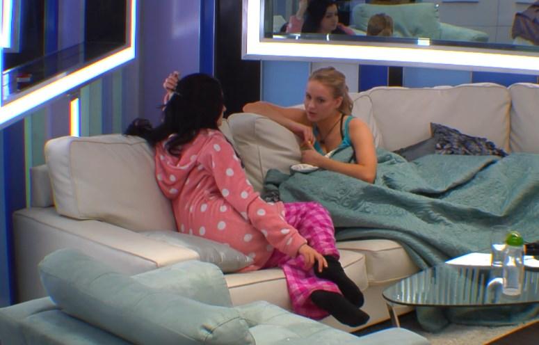 Rachelle and Heather talk