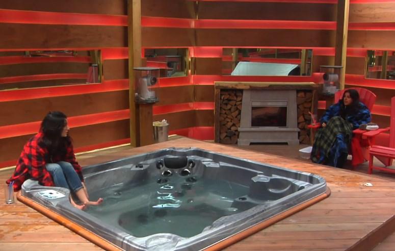bbcan2-20140420-2220-rachelle-sabrina-hot-tub