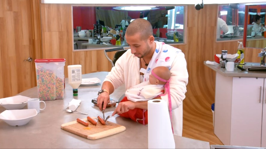 bbcan2-20140425-1133-adel-baby