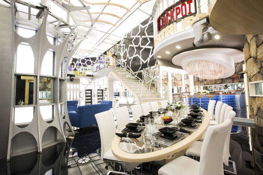 Big Brother Canada 4 – Dining area
