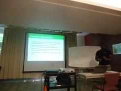 Figure 3. Preparing for our presentation on Eutrophication 我们在准备关于富营养化的演讲。