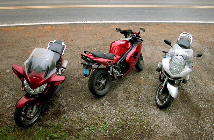 Comparo – BMW R1200ST vs Honda ST1300A vs Triumph Sprint ST