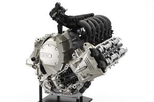 k1600_engine.jpg