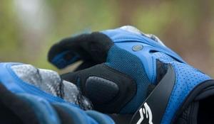 alpinestar-gloves.jpg