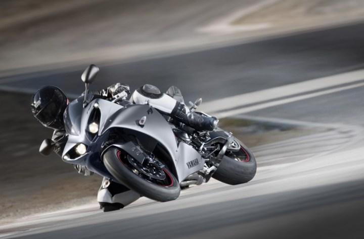 2012 Yamaha R1 unveiled