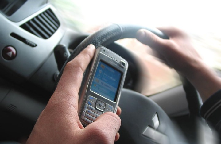 UK police, signage manufacturer collaborate on device to battle texting drivers