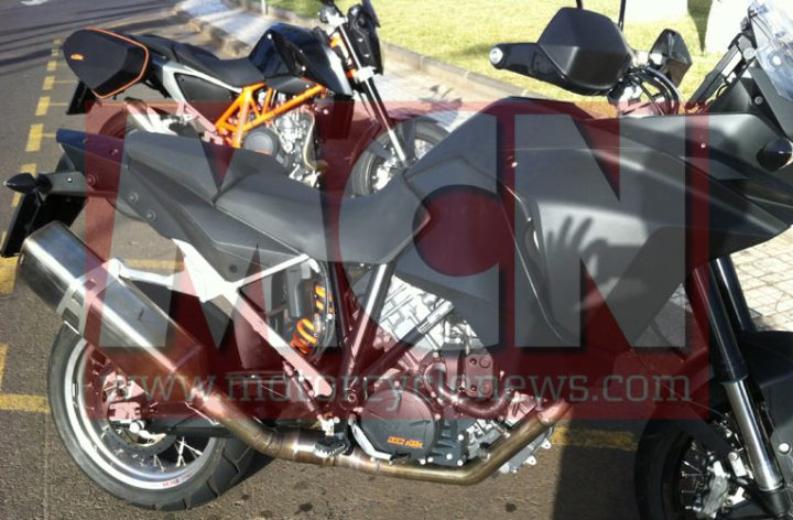 KTM spy shot of new 1290 Adventure