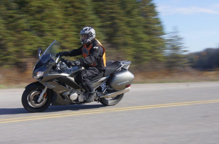 Test Ride: 2013 Yamaha FJR1300