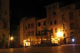 San-Gimignano-night-1